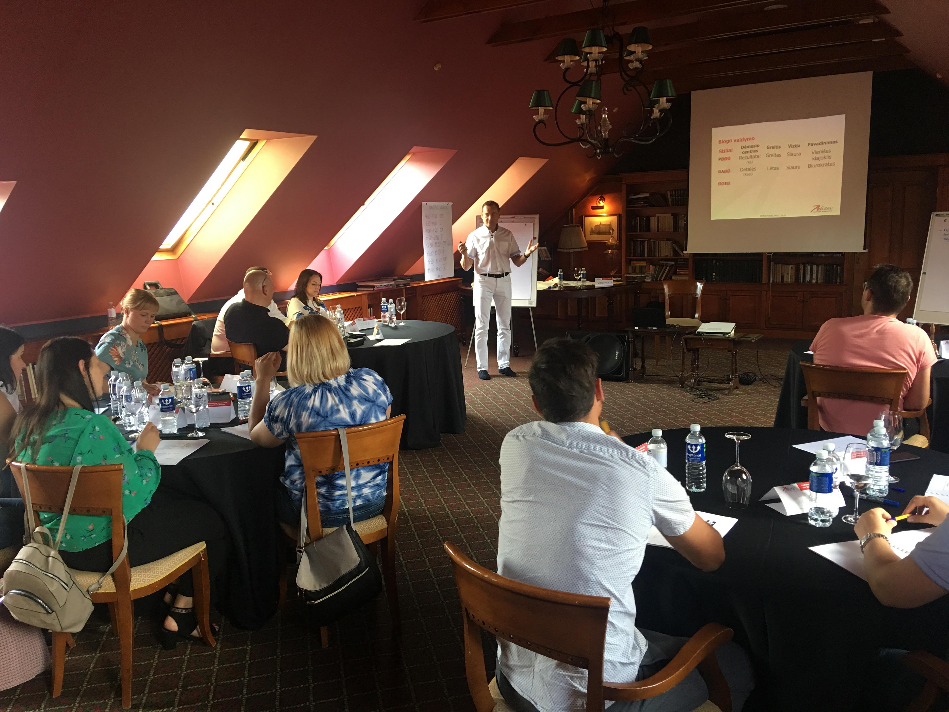 """Unikalios Technikos Seminare """"Efektyvus Komandinis Sprendimų Priėmimas Ir įgyvendinimas"""""""