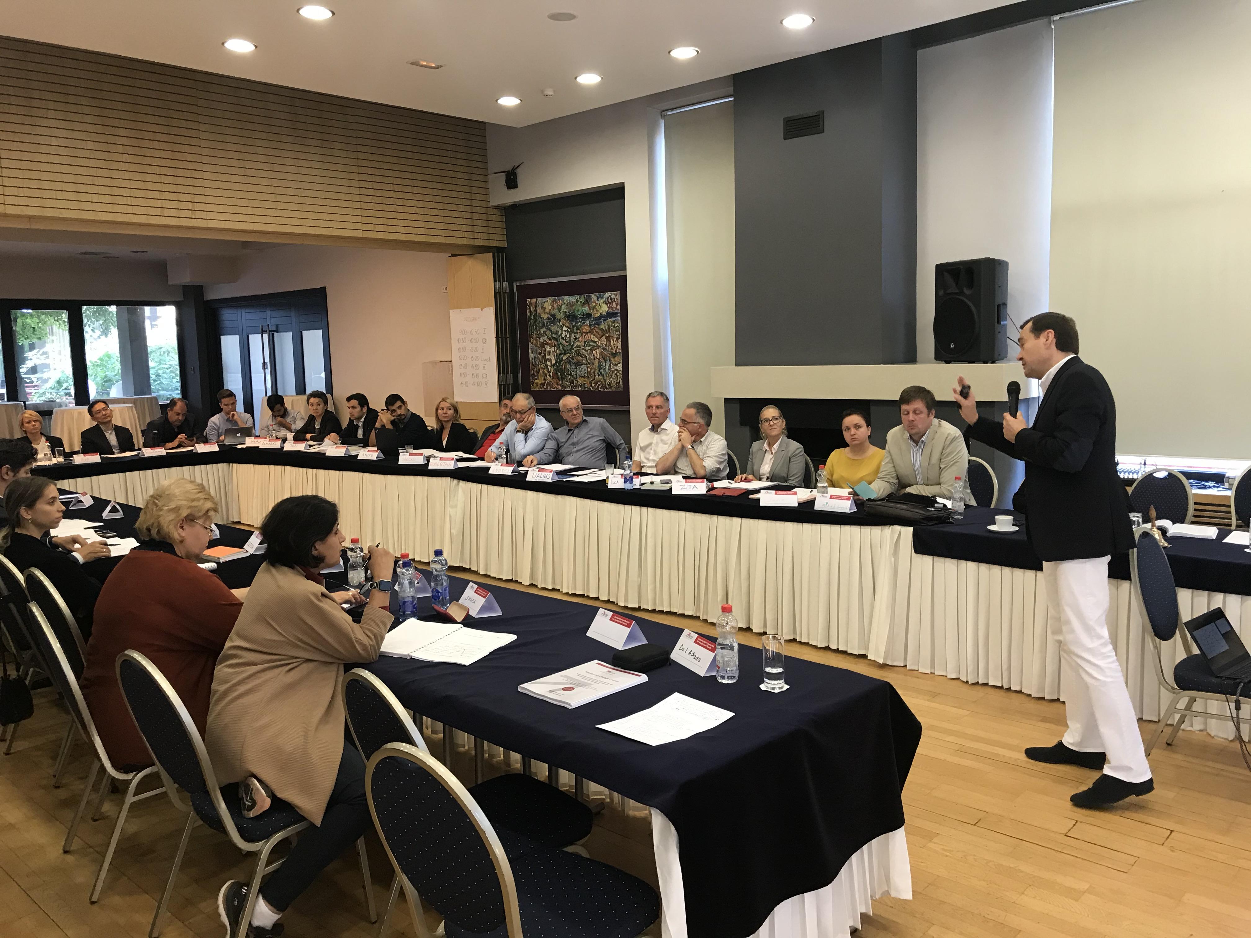 Tarptautiniai Mokymai Universitetų Profesoriams Bei Dėstytojams Iš Viso Pasaulio